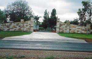 sandstone-gate